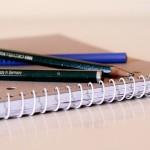 小さい字で悩むパーキンソン病の人のためのペン「ARC」