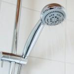 シニアも安心、浴槽をまたがずに入浴できる「TIDE Bathtub」