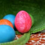 目の不自由な子どもたちもエッグハント「Beeping Easter Egg」