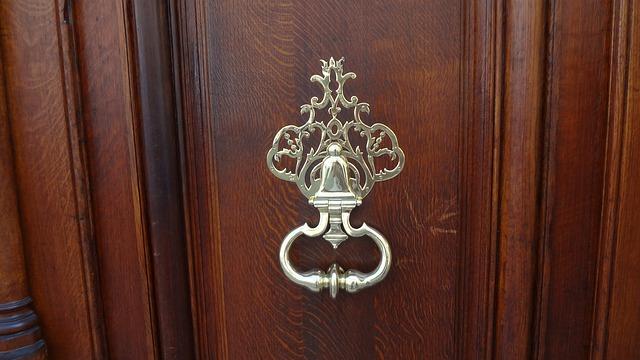 ドアのノッカー