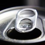 点字のネームボトルはどうやって作っているのだろう?『Coca-Cola Braille』