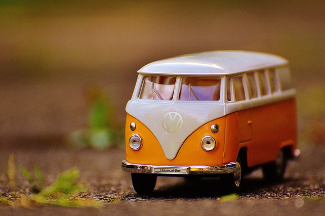 ミニチュアのバス