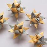 紙飛行機を丁寧に丁寧に折って飛ばすデュアルアームロボット