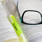 ただの拡大読書器ではない!? 中心暗点でも見える弱視者用デジタル眼鏡『eSight』